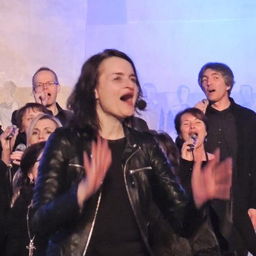Merle Neumann dirigiert – Gospelworkshops in Oberfranken